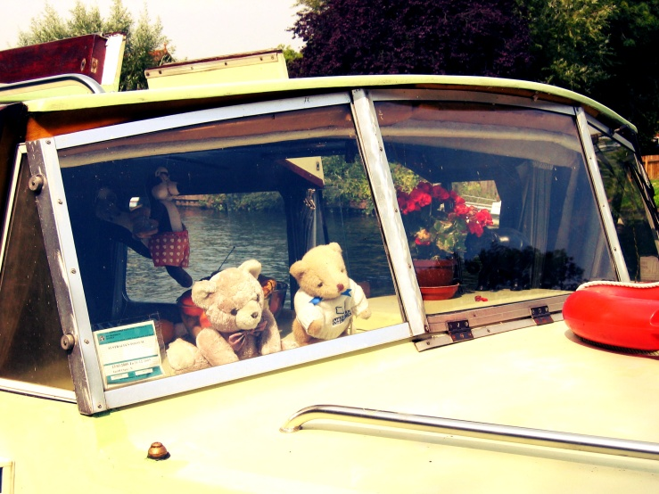 weekend-inspiration-bears-on-thames